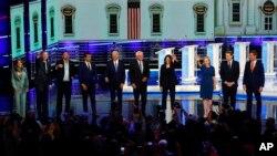 این سی بی کی میزبانی میں ڈیموکریٹس مباحثے میں حصہ لینے والے صدارتی امیدوار۔ 27 جون 2019