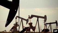 تاسیسات نفتی در آمریکا