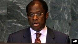Le ministre de la Justice congolais Alexis Thambwe Mwamba, ancien ministre des Affaires étrangères, devant l'ONU le 28 septembre 2009.