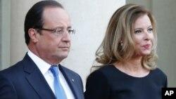 Tổng thống Pháp Francois Hollande và bà Valerie Trierweiler