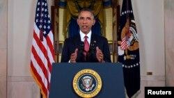 Presiden Barack Obama menyampaikan pidato dari Gedung Putih kepada rakyat AS mengenai rencana aksi militer melawan militan-militan Negara Islam (ISIS) (10/9). (Reuters/Saul Loeb)