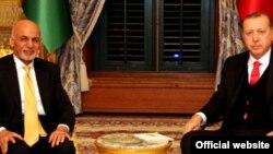 اشرف غني وویل حکومت یې چمتو دی چې افغانستان سره دولت په دولت خبرې وکړي