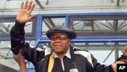 Papa Wemba, photographié à Paris en 2004, est décédé à l'âge de 66 ans.