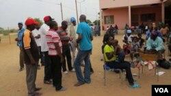 Ezinye iziphepheli ezihlala eDukwi Camp kwele Botswana.