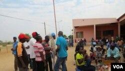 Iziphepheli enkmbeni yeDukwi Refugee Camp kwele Botswana
