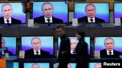 Rossiya propaganda bobida oldinda, G'arb qanday javob qilmoqda?