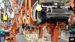 La demanda de autos subió un 10,1% el mes pasado, el mayor incremento desde julio de 2009.