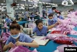 Hoạt động sản xuất tại hãng dệt may Thành Công ở Tp.HCM, tháng 7/2019