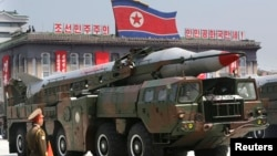 Tên lửa Bắc Triều Tiên trong cuộc diễu hành tại Bình Nhưỡng, ngày 27/7/2013.