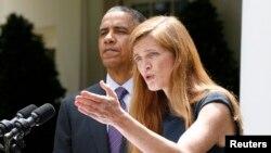 지난 6월 백악관에서 바락 오바마 미국 대통령(왼쪽)과 유엔 대사 지명 기자회견에 참석한 사만다 파워 지명자.
