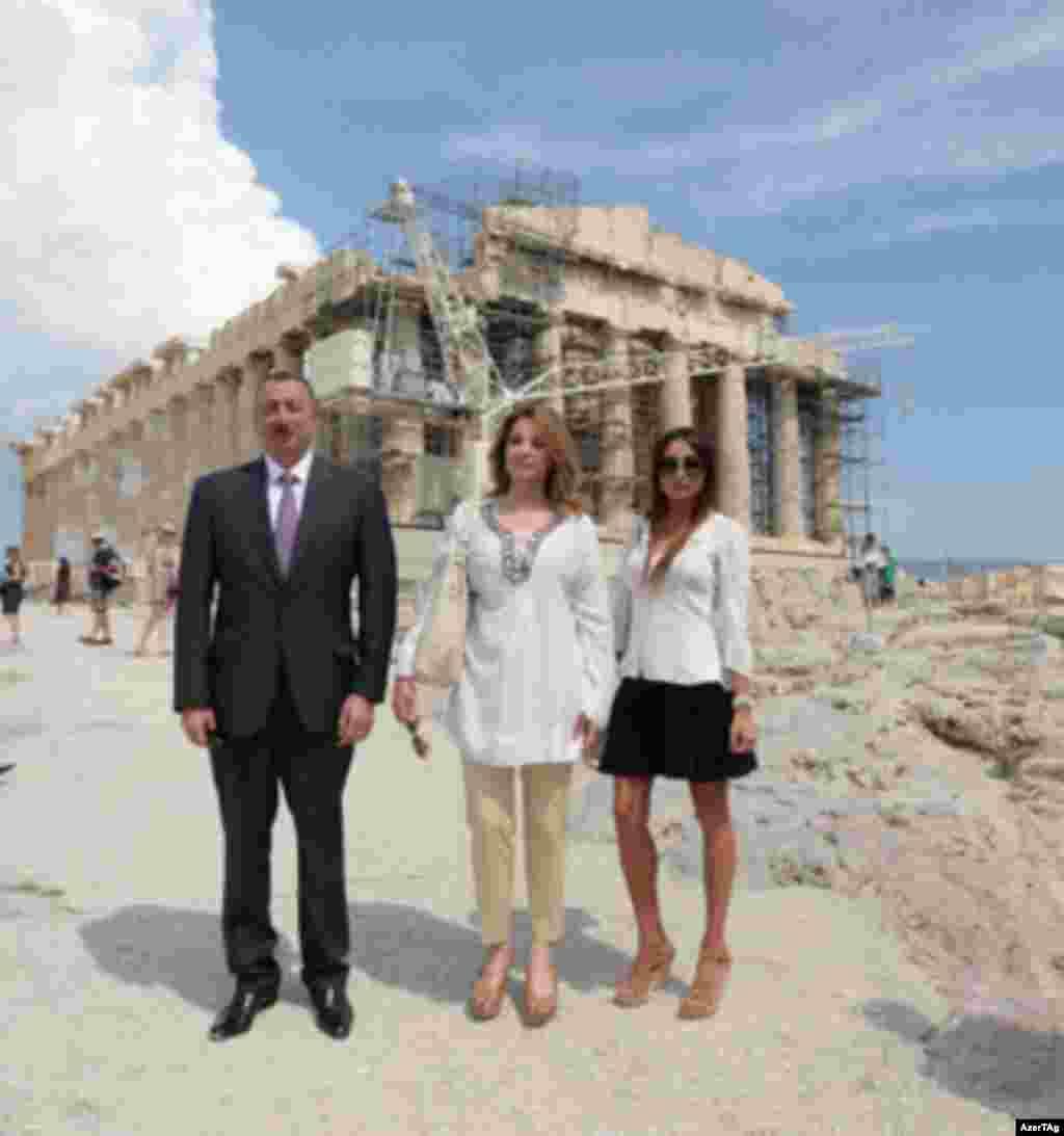 İlham Əliyev dünyada azadlıq, demokratiya və incəsənətin rəmzi hesab olunan Akropolda
