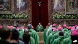 El papa Francisco oficia una misa en el Vaticano, el 24 de febrero de 2019, en la clausura de una cumbre de líderes religiosos para la prevención de abusos sexuales en el seno de la institución. (Giuseppe Lami/Pool Foto via AP)