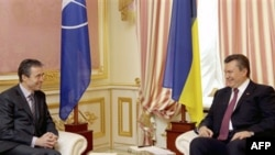 Президент Віктор Янукович з генеральним секретарем НАТО Андерсом Фог Расмуссеном у Києві (архівне фото)