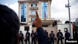 지난 2017년 9월 네팔 카트만두 주재 북한 대사관 앞에서 북한의 핵 실험을 규탄하는 시위가 벌어졌다.