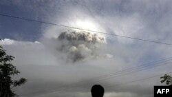Виверження вулкана Мерапі