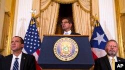 Pedro Pierluisi, juramentado como gobernador de Puerto Rico, habla durante una conferencia de prensa en San Juan, Puerto Rico, el viernes 2 de agosto de 2019.
