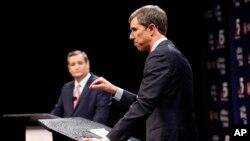 2018年9月21日共和黨參議員克魯茲(左)和民主黨議員奧洛克在德克薩斯首次辯論