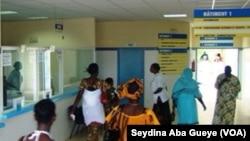 L'hôpital de Pikine visé par une enquête pour négligence médicale présumée, Dakar, Sénégal, 25 octobre 2017. (VOA/Seydina Aba Gueye)