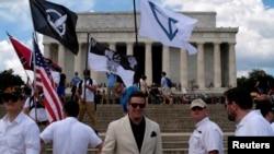 ریچارد اسپنسر، ملی گرای سفیدپوست، در راهپیمایی آزادی بیان در شهر واشنگتن