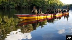 Rebeldes de las FARC liberaron a 13 menores de campamentos en Colombia.
