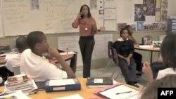 Nataša Alfrod predaje engleski jezik i književnost u jednoj čarter školi u Vašingtonu.