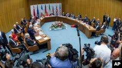 14일 오스트리아 빈에서 이란 핵 협상 마지막 본회의가 진행되고 있다. 이 날 주요 6개국과 이란 간 핵 협상이 최종 타결됐다.