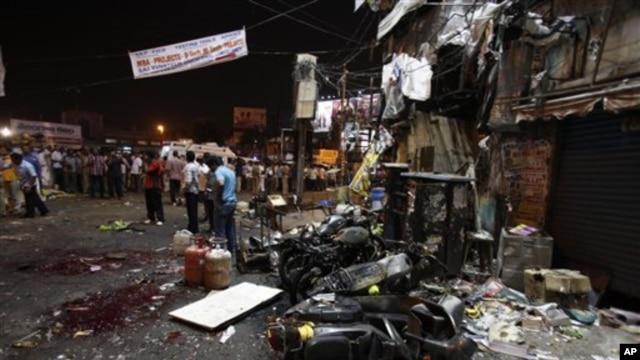 21일 인도 하이데라바드의 연쇄 폭탄테러 현장.