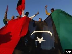 G'arb Qaddafiy ma'muriyatiga qarshi harbiy chora ustida o'ylanmoqda