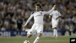 LA Galaxy's David Beckham to play on loan for the Premier League club, (File)