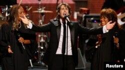 """El cantante Josh Groban presentará su gira """"In the Round"""" donde podrá interactuar con su público."""