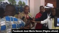 José Maria Neves fala com jornalistas em Luanda