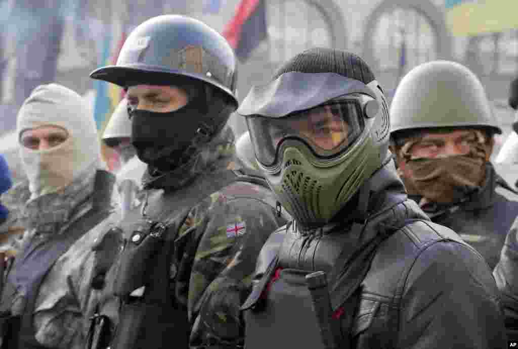 Hökumətə qarşı etirazçılar Meydanda qalmaqda davam edir - 6 fevral, 2014
