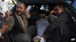 وزارت صحت می گوید که در میان کشته شدگان ۲۴ مرد، ۱۳ زن و ۳ مجهول الهویه شامل اند.