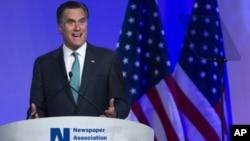4月4号在华盛顿,美国共和党总统参选人罗姆尼在美国报纸协会的午餐会上讲话