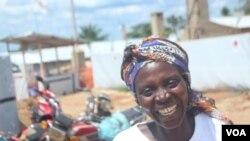 Jeannette, ambaye aliwahi kupatwa na virusi vya ebola na hivi sasa ni mhamasishaji anaye shiriki kuwaelimisha watu juu ya ugonjwa huu huko Beni, DRC, 15 Octoba 2018.