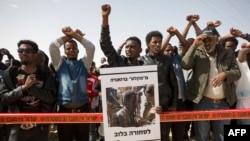 Imigrantes de países africanos em Israel ficam por agora - 2:54