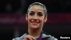 美国女将莱斯曼获得了自由赛项目的金牌