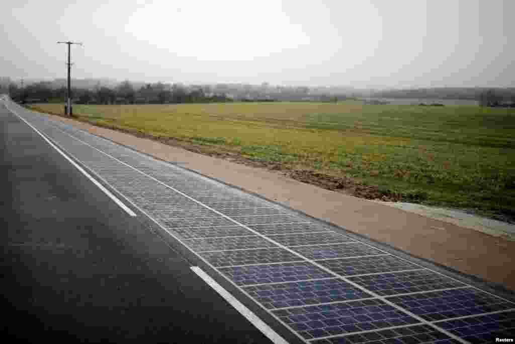 افتتاحیه اولین جاده با پنل خورشیدی در دنیا در نورماندی فرانسه.