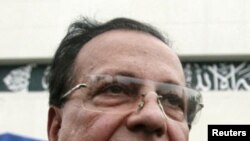 Governor of Punjab province Salman Taseer speaks to the media in Islamabad in this March 28, 2009 file photo.
