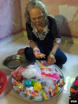 Mệ Hồ Thị Tầm, 68 tuổi, Phú Lương, Huế. (Hình: Trịnh Bách)