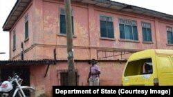 Le bâtiment à Accra qui a servi, pendant plus de 10 ans, a délivré illégalement des visas, au Ghana. (Department of State)