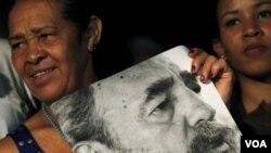 """""""La necrofilia contrarevolucionaria, con el apoyo de algunos medios se lanzó al festín"""", escribe la prensa estatal cubana."""