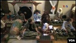"""Gamelan """"Swara Jagad"""", kelompok gamelan Jawa di Lexington, Kentucky."""