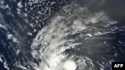 Bão Igor gia tăng cường độ thành một trận bão mạnh