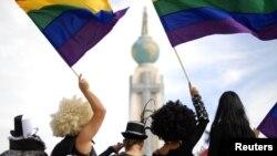 Seis estados de EE.UU., junto con el Distrito de Columbia, aprobaron las uniones de parejas del mismo sexo.