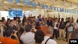 Kerkük'te IŞİD tehdidine karşı silahlanan Türkmenler