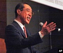 香港前政務司司長唐英年(資料照片)