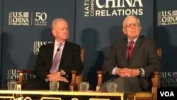 里根总统的国家安全顾问麦克法兰(左)与艾伦在美中关系研讨会上(2016年6月27日)