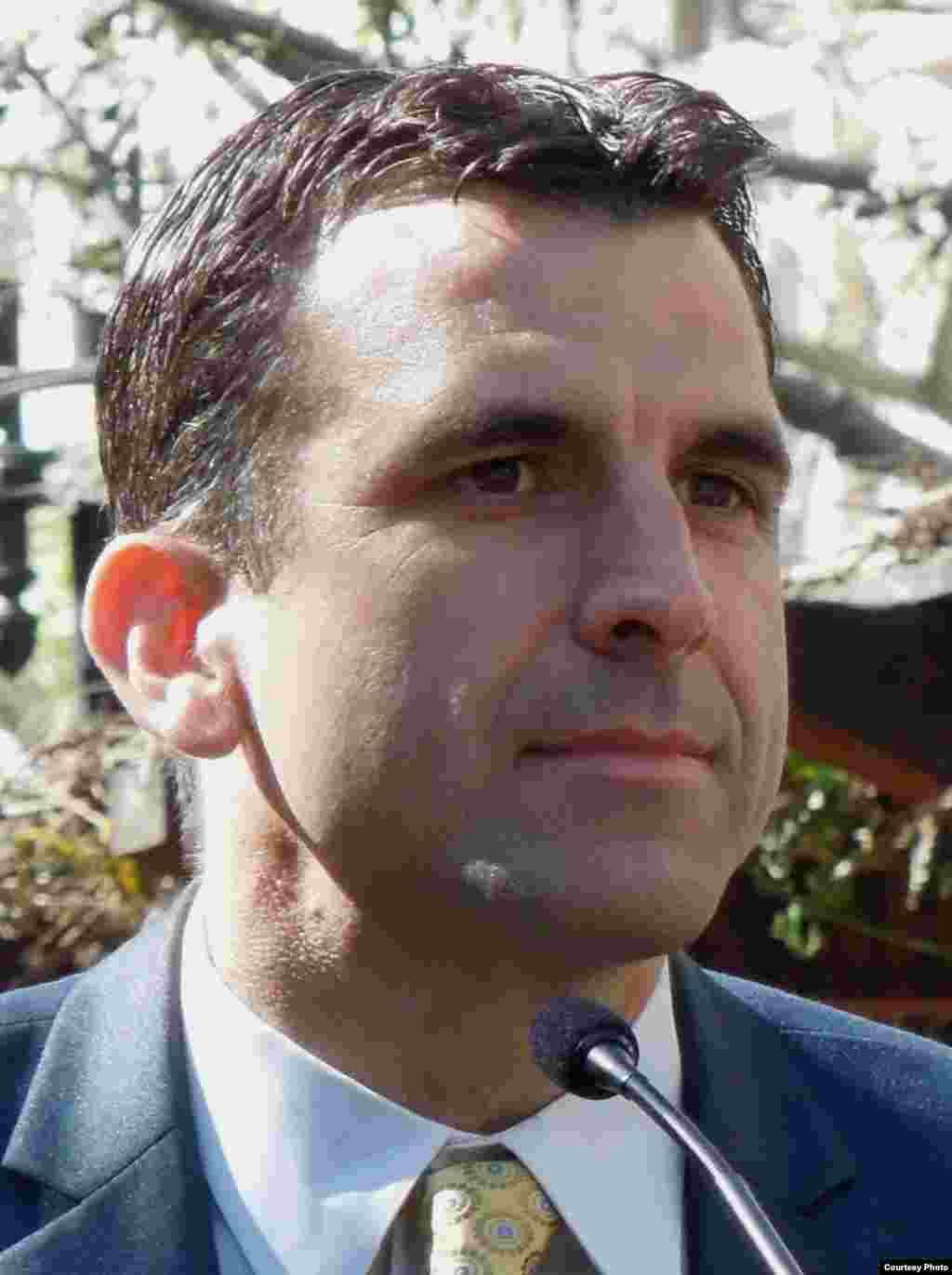 Nghị viên Sam Liccardo lấy làm tiếc lúc đầu đã không ủng hộ Little Saigon