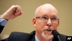 8일 미 의회 청문회에서 벵가지 미 대사관 습격 정황과 관련해 증언하는 그레고리 힉스 전 리비아 주재 미국 부대사.